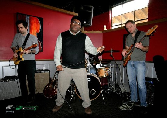 Grapevine Restaurant: Brunch, Blues and Barrence Whitfield