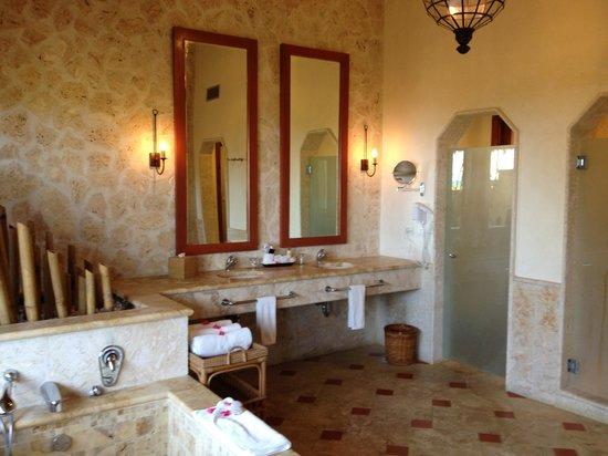 Sanctuary Cap Cana by Playa Hotels & Resorts: royalty villa bathroom!!!