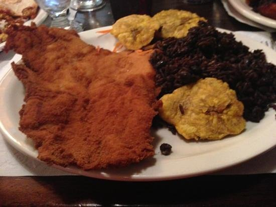 Metropol: Breaded chicken and black rice