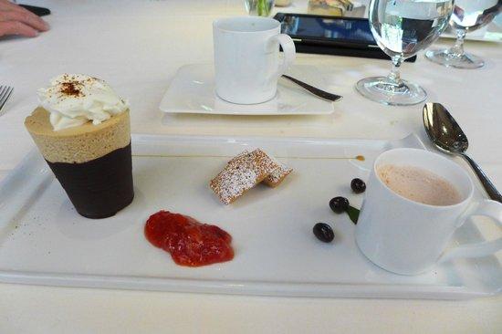 Etoile: Frozen Cappuccino Souffle