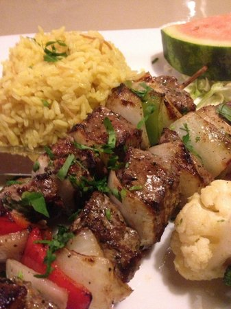 Phoenician Garden Mediterranean Bar and Grill: Lamb shish kabob