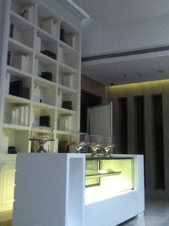 Hues Boutique Hotel: cafe