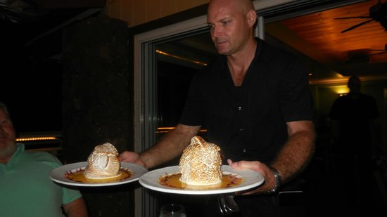 Casa di Amici : our waiter bringing a delicious dessert - so glad most of my meal is going home for breakfast