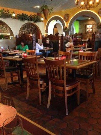 Celia's Mexican Restaurant: Celia's is muy Bueno !
