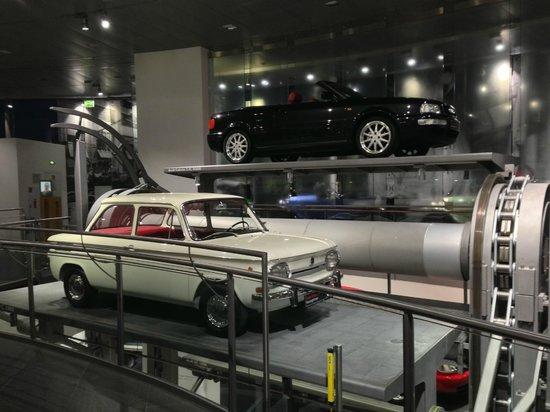 the car conveyor belt picture of audi museum ingolstadt tripadvisor. Black Bedroom Furniture Sets. Home Design Ideas