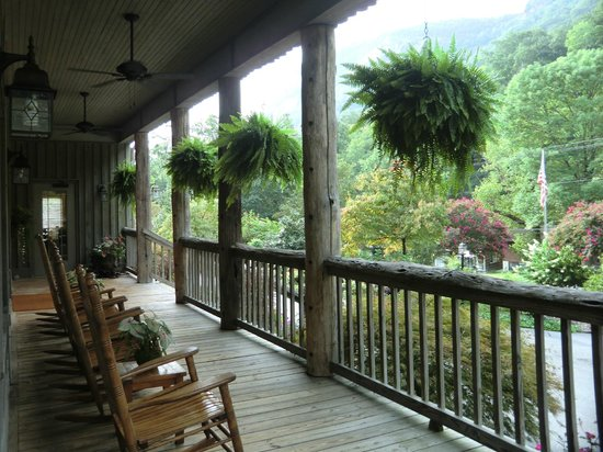 The Esmeralda Inn: Hotel porch, overlooking Chimney Rock