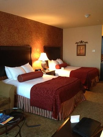 Oxford Suites Boise: double bed suite