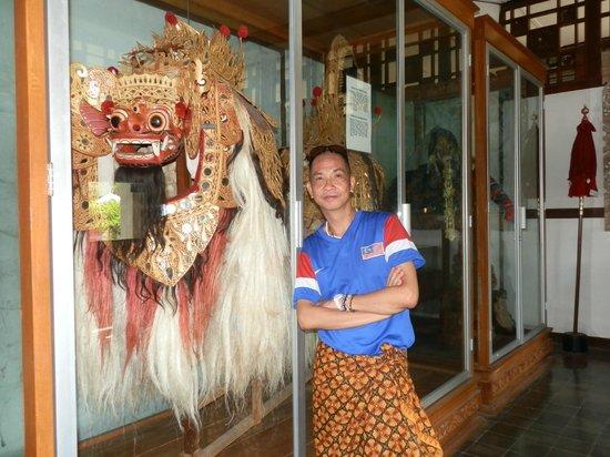 Taman Gili and Museum Daerah Semarapura: beside a oostume and mask used for the