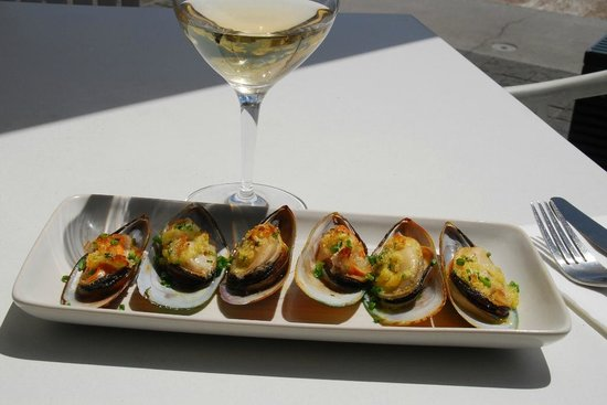 Merchants of Venice: Scrumptious mussels and Red tussock Pinot Gris