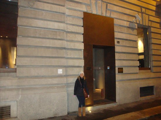 بلاتزو سيجريتي: Hotel entrance