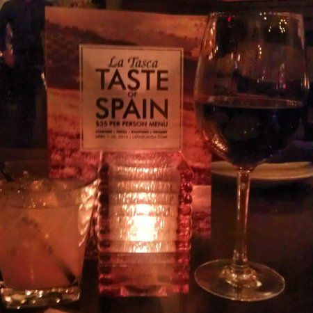 La Tasca: Romantic Ambiance for white sangria and red wine