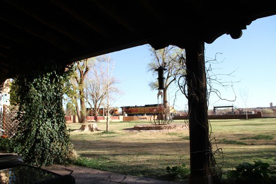 La Posada Hotel: Back porch overlooking the back garden and railroad tracks