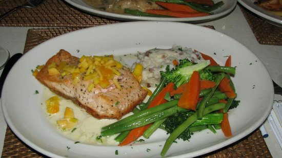 Spruzzo's : the salmon entree