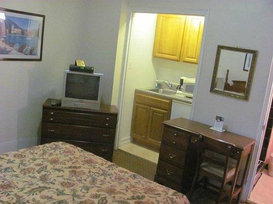 Imperial Court Hotel: habitacion