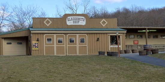 Rocking Horse Ranch Resort: The blacksmith at the stables.
