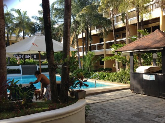 Henann Regency Resort & Spa: Main Wing Pool