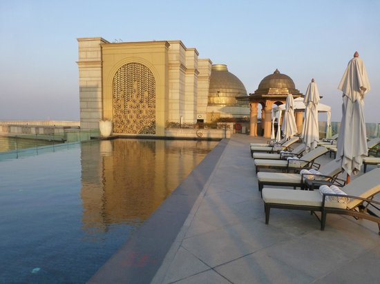 The Leela Palace New Delhi: Infinity Pool