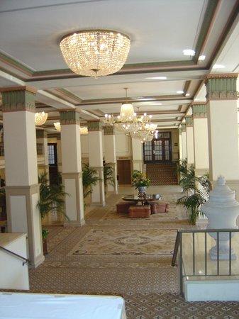 Francis Marion Hotel: lobby