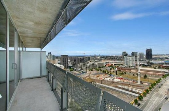 Living Corporate Melbourne Serviced Apartments: View from Balcony