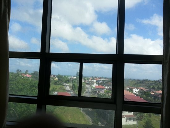 One Tagaytay Place Hotel Suites: Window
