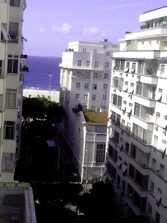 Mirasol Copacabana Hotel: View from Hotel's room (Copacabana Palace at the top right of the photo)