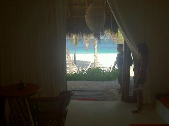Cabanas Tulum: View from room to the beach