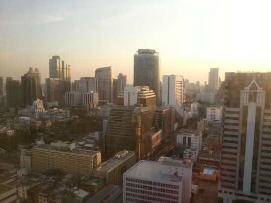 Crowne Plaza Bangkok Lumpini Park: view from our room...