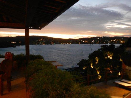 Cachoeira Inn: night view at hotel