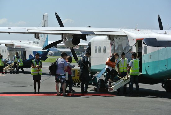 El Nido Resorts Miniloc Island: The small charter planes (emphasis on small)