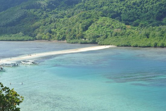 El Nido Resorts Miniloc Island: Snake Island from top of the hill
