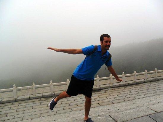 Wulong Mountain of Dandong : Roland on top of Wulong Mountain
