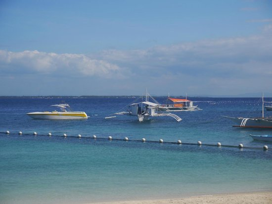Moevenpick Hotel Mactan Island Cebu: View from the beach