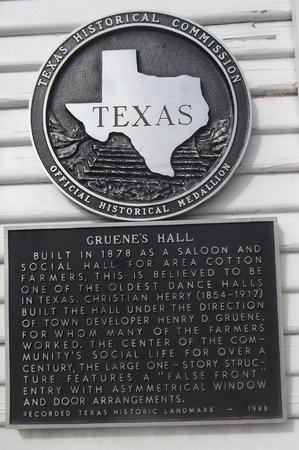Gruene Historic District: Gruene Hall