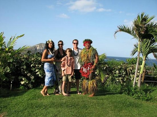Chief's Luau at Sea Life Park: Mahalo Chief Sielu and Ohana