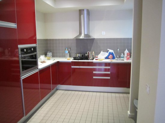 The Urban Suites: Our fullsized kitchen