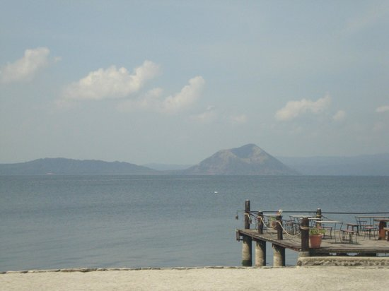 Club Balai Isabel: Taal Volcano : A good picture-taking background