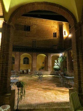 Il Chiostro del Carmine: Pátio interno