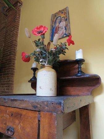 Il Chiostro del Carmine: Detalhe da decoração no pátio interno