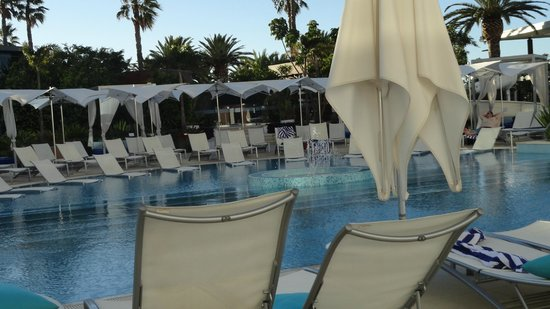 Crown Metropol Perth: pool and family area
