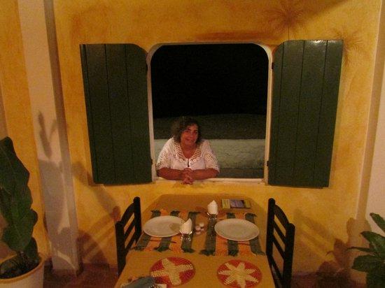 Pousada Chez Roni : Esperando la cena