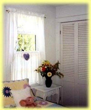 Inky Dinky Oinkink : guest bedroom