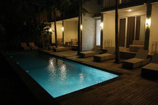 The Grand Sunti: Super Deluxe pool