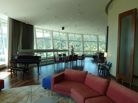 Loews Hollywood Hotel: partial view of panorama suite
