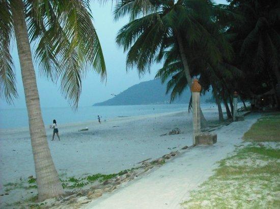 Khanom, Thailand: spiaggia chilometrica
