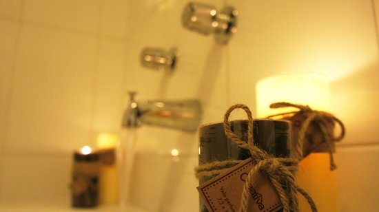 Cordelius Turistico: Baño habitacional Con Tina