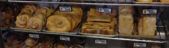 Naegelin's Bakery: more baked goods in the case