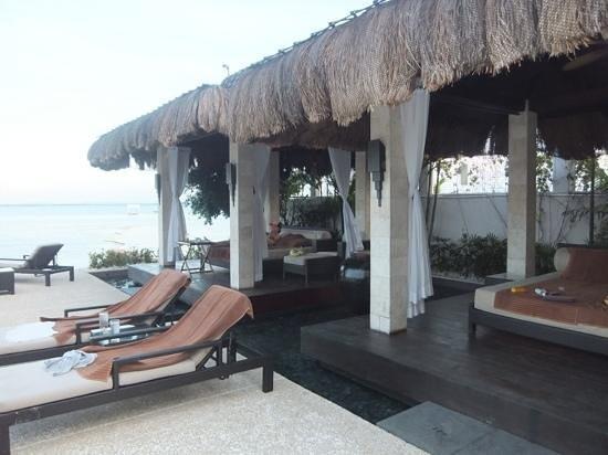 Abaca Boutique Resort: プールサイド