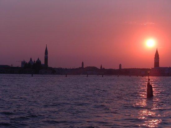 Osteria al Garanghelo : Romantic sunsets are a feature of Venice - AW (Tony) Scott