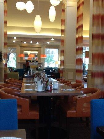 Hilton Garden Inn Folsom: Lobby/restaurant