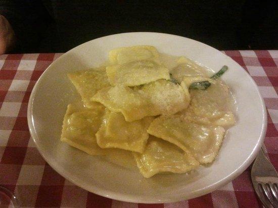 Osteria da Mario : Ravioli with ricotta and spinach